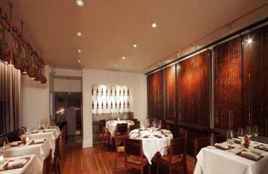 设计师以季节为主题的餐厅
